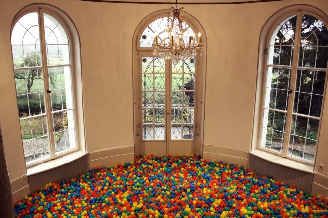 Charlie Stein Balls Installation Museum Villa Rot rooms